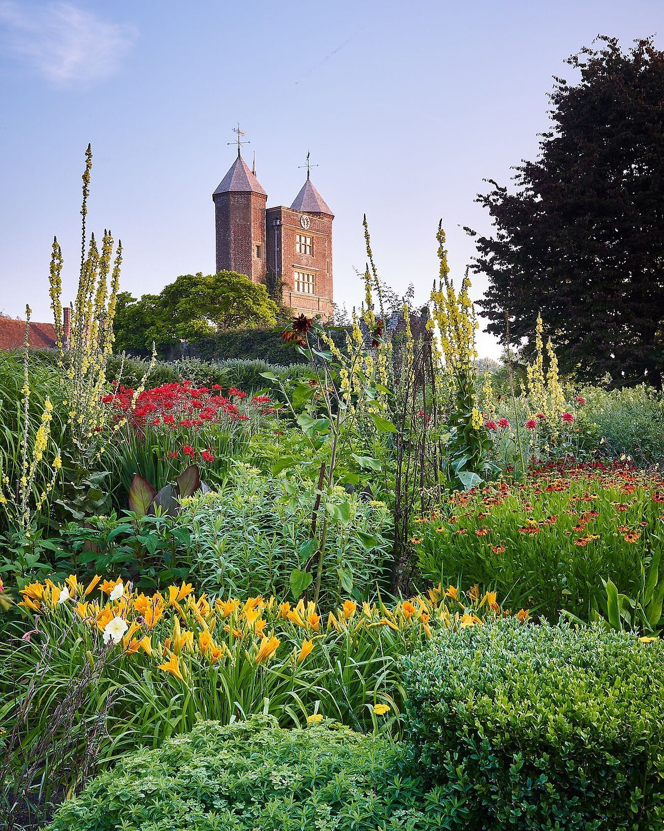 The Cottage Garden @sissinghurstcastlegardennt , the image taken from thousands to be the cover for my new book with Tim Richardson coming out on 1st September 2020. Published by @quarto.knows Frances Lincoln....#sissinghurst #sissinghurstcastle #sissinghurstgardens #sissinghurstthedreamgarden #franceslincolnpublishers #franceslincoln #timrichardson #phaseonephoto #gardenphotography #gardenphotographer #cottagegarden