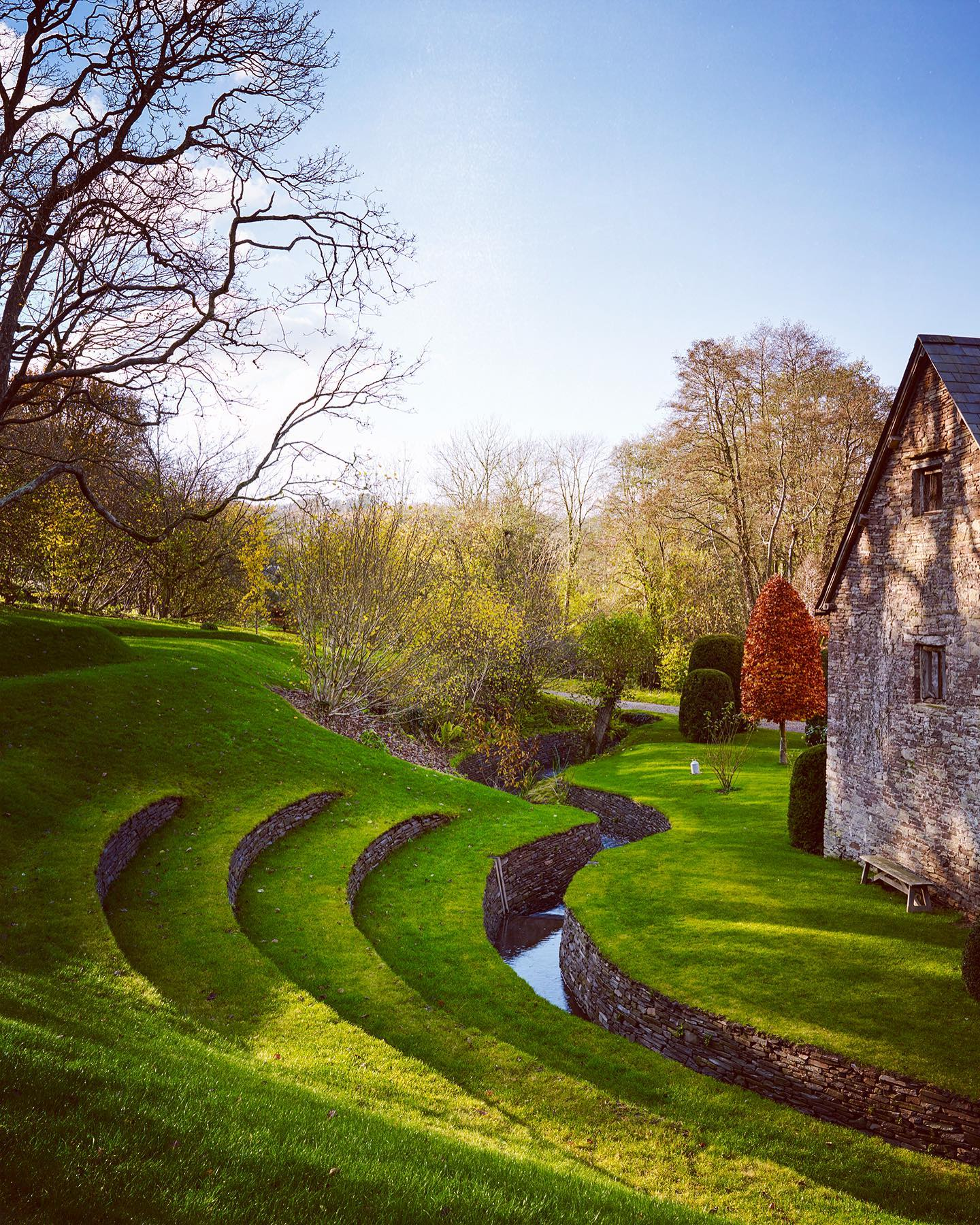 Delighted to be one of the many photographers contributing to @phaidonsnaps new book.THE GARDEN Elements and Styles by @toby_musgrave .This is the wonderful amphitheatre at Allt-y-Bela designed by the great @arnemaynardgardendesign ...#phaidonbooks #phaidonsnaps #arnemaynard #arnemaynardgardendesign #thegardenelementsandstyles #tobymusgrave #gardenphotography #gardenphotographer #bookphotography #bookphotographer