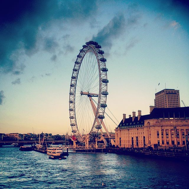 Beautiful Evening light , London Eye #london #londoneye #eveninglight