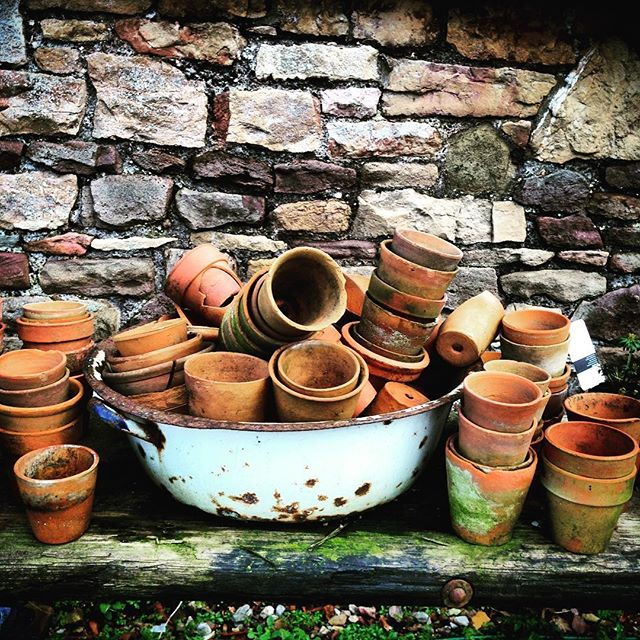 Terracotta Pots ready for Spring #terracotta #terracottapots #gardenphotography