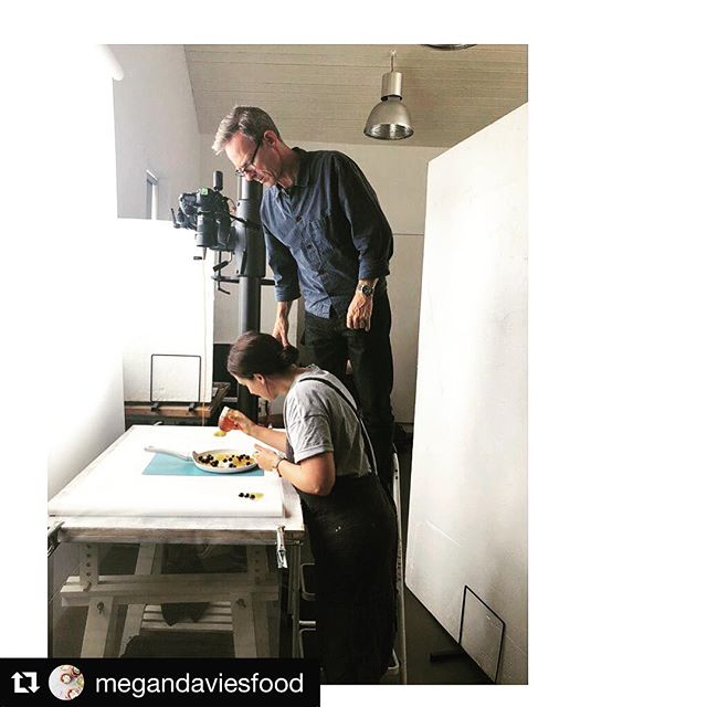 #Repost @megandaviesfood with @get_repost・・・• H O N E Y • B E E S • Day one with @sian_henley @jasoningram @yashbash76 @botanygeek