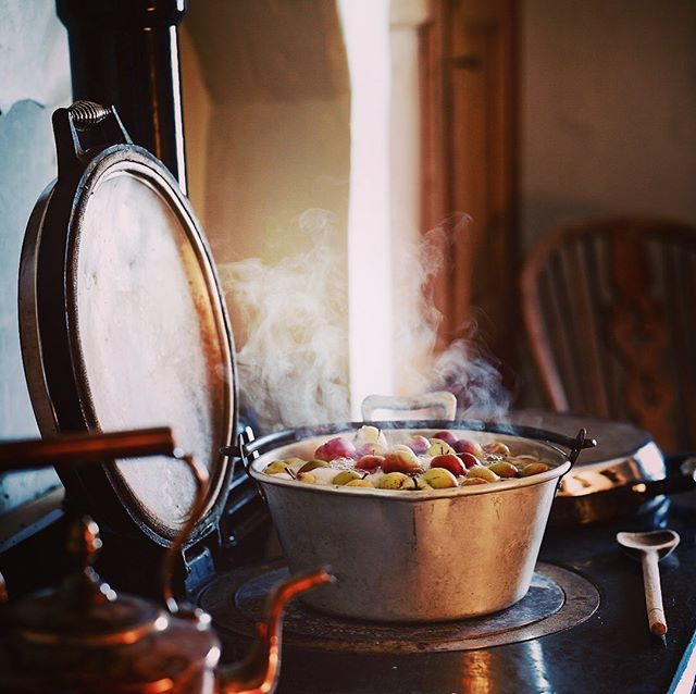 Wild crab apples on the stove , wild crab-apple Jelly @rosebudpreserves #wildcrabapples #crabapples #rosebudpreserves #foodphotography #tasteofyorkshire #phaseonephoto